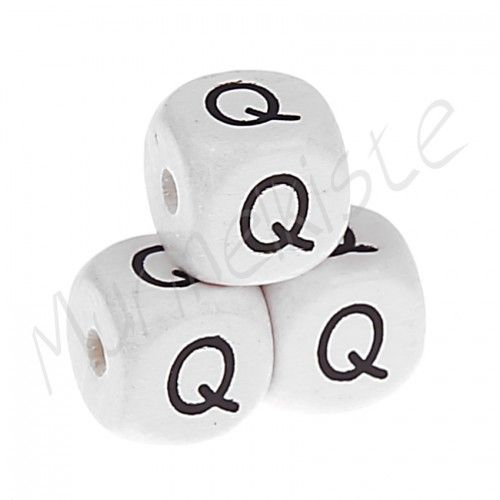 Buchstabenperlen weiß 10x10mm geprägt 'Q' 1554 auf Lager