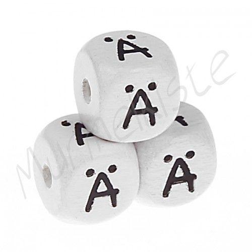 Buchstabenperlen weiß 10x10mm geprägt 'Ä' 422 auf Lager